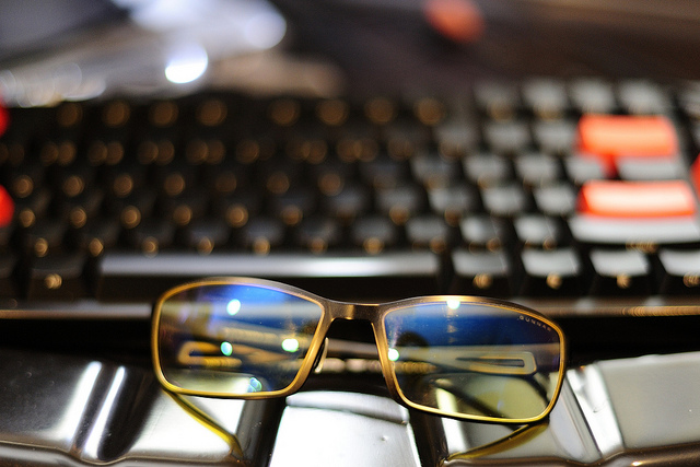 glasses-on-keyboard-michael-saechang
